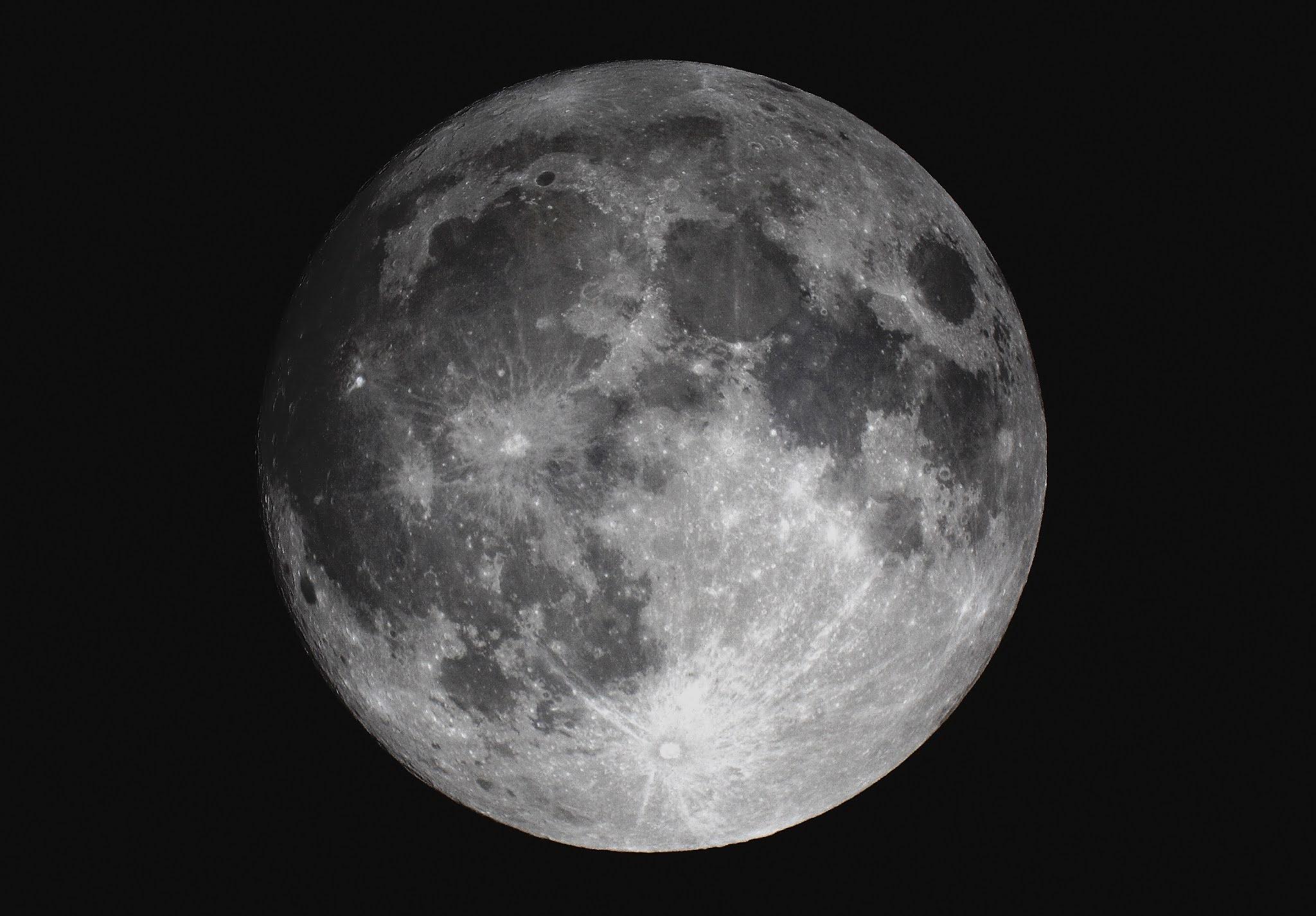北崎教諭が撮影した月